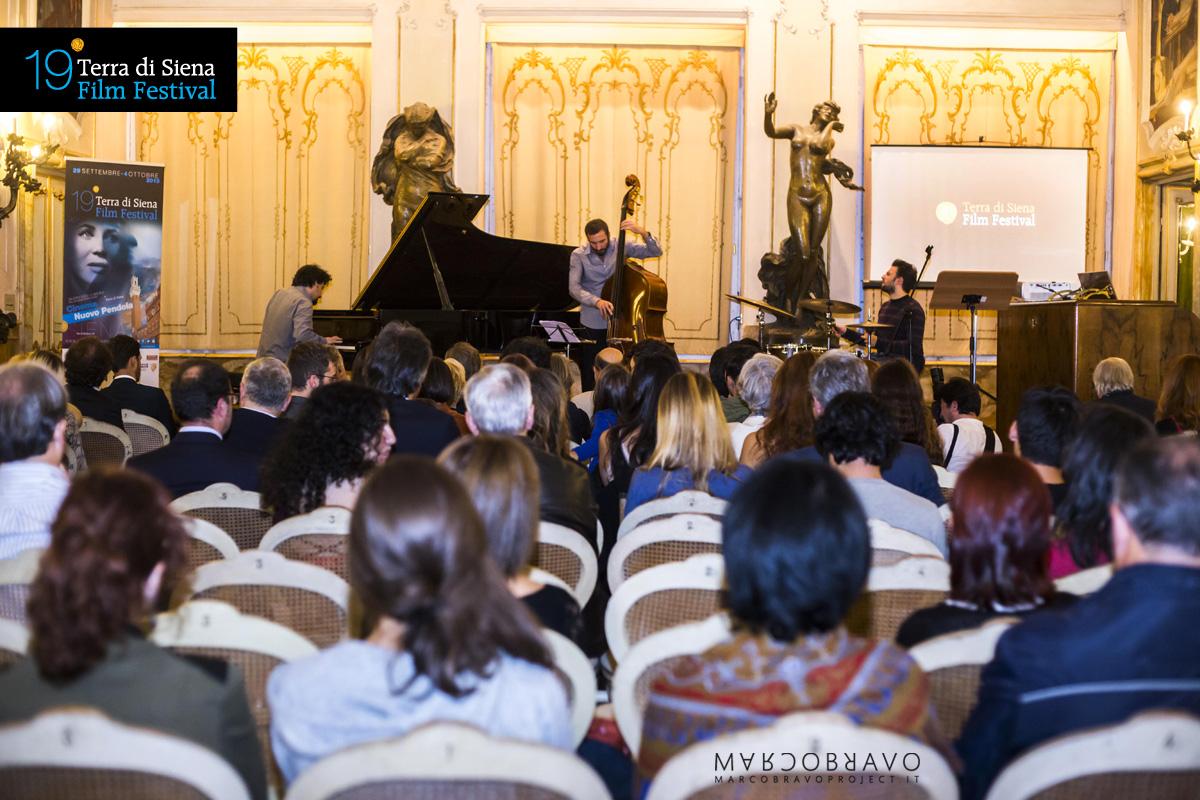 10-19-terra-di-siena-film-festival-19sienafilmfest-2015