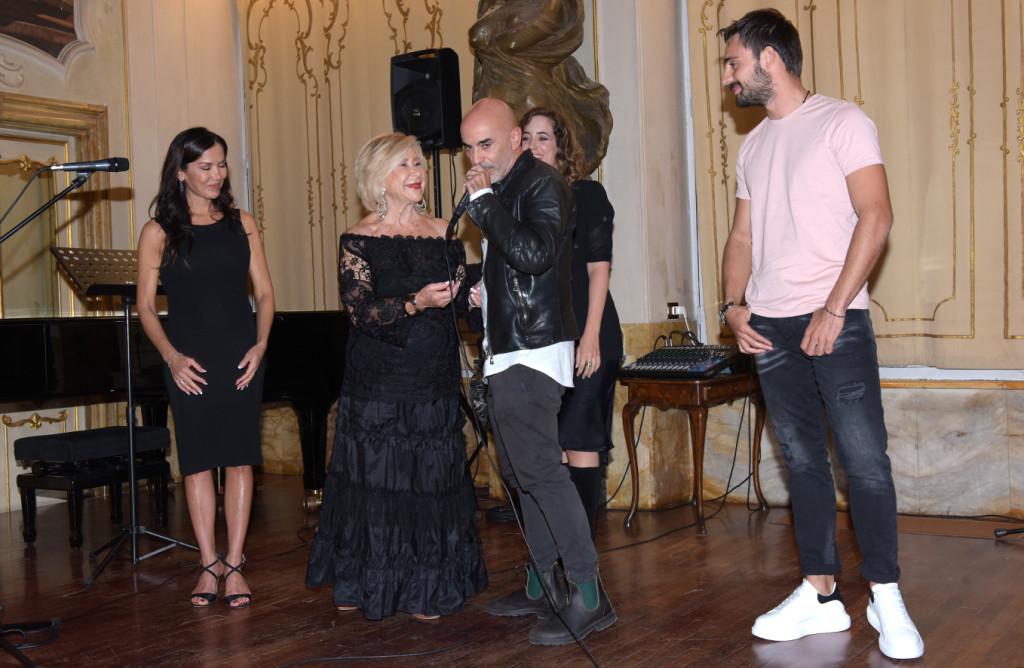 Sul palco della prestigiosa sede dell'Accademia Musicale Chigiana di Siena, i vincitori della XXIII edizione del Terra di Siena International Film Festival